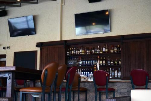 Patio Bar 7